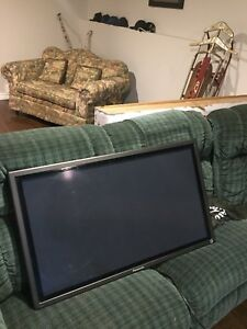 "50 "" plasma with heavy duty mount"
