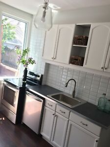 3 Bedroom and loft clean and bright house Downtown Hamilton