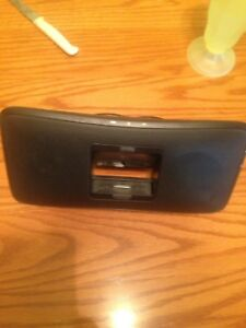 IPhone 4 Logitech Speaker Dock