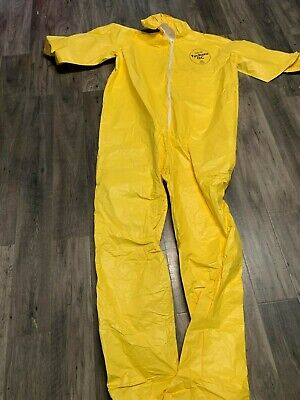 Dupont Tychem Qc Hooded Chemical Suit With Boots 4x