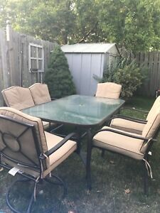 Patio Set- SOLD PENDING PICK UP