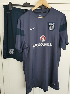 2014 England Nike Dri Fit Training Kit