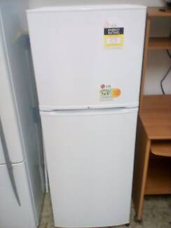 Lg fridge brand new never used need a bigger fridge quick sale