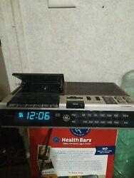 Vintage GE  FM/AM Clock Radio Cassette Recorder Model 7-4956b
