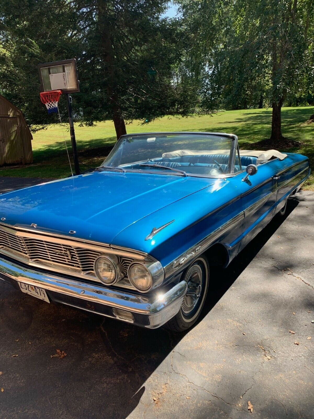1964 Ford Galaxie  289 V-8 with rebuilt transmission, carburetor, new convertible top motor, beauty