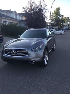 2013 Infiniti FX50 premium package  V8!! Asking 35000 OBO