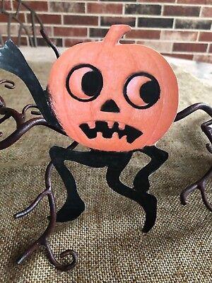 Vintage Style Repro Pumpkin Man Running Scared Halloween Cardstock Decoration,6