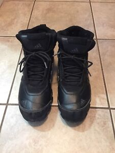 Men's Size 10.5 Adidas Winter Boots