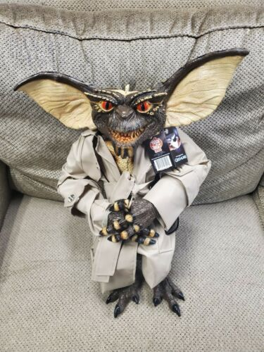 GREMLINS - FLASHER GREMLIN PUPPET PROP by Trick or Treat Studios