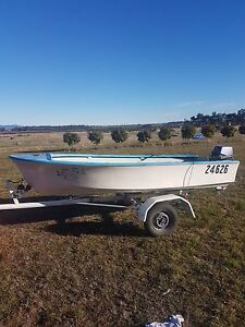 Fibreglass dinghy with 6hp Yamaha outboard Longford Northern Midlands Preview