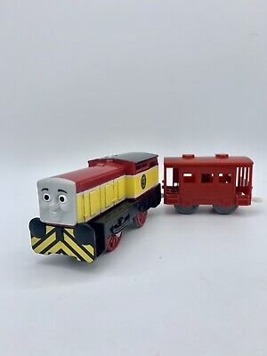 Thomas & Friends Trackmaster - Dart and Red Brake Van motorized engine