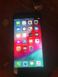 I phone 7 plus 128 gb mint condition unlocked