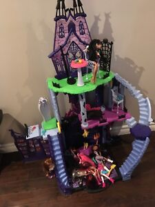 Monster High with assortment of dolls
