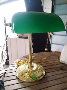Banker's lamp with glass shade