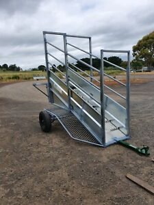 Mobile cattle ramp