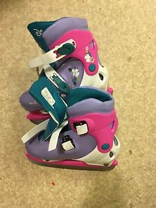 Sale : ice skating shoes