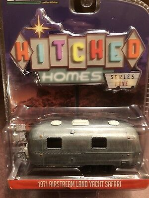 Greenlight  Hitched Homes Series 5 1971 Airstream Land Yacht  Safari UNRESTORED for sale  Shipping to India