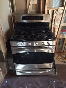 Gas/electric convection oven