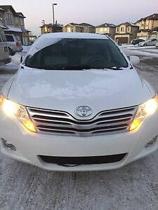 Toyota Venza AWD, leather, remote stater, 86000 km, car proof