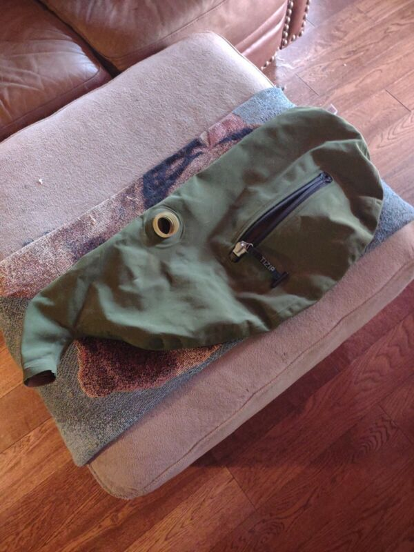 Green  Canmore Synthetic  Bagpipe Bag