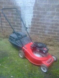 Victa Pace 4 stroke Lawnmower + Catcher. Just serviced + Warranty Sunshine North Brimbank Area Preview