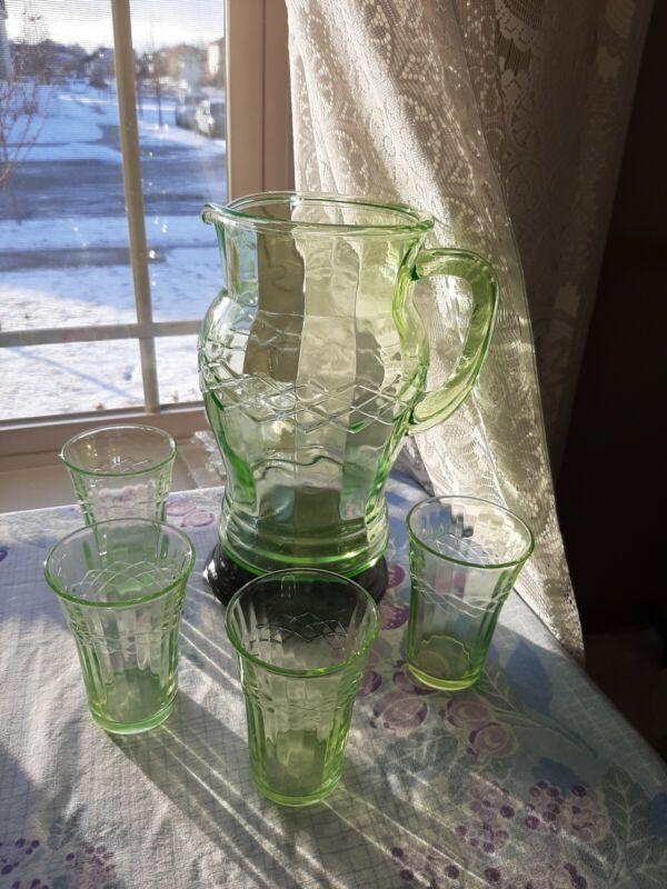 RARE!! Antique Vintage Green Depression1930 Pitcher Set, w/4 glasses, STUNNING!