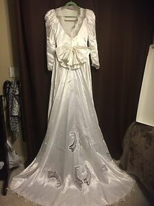 WEDDING DRESS SIZE 14-16  Windsor Region Ontario image 3