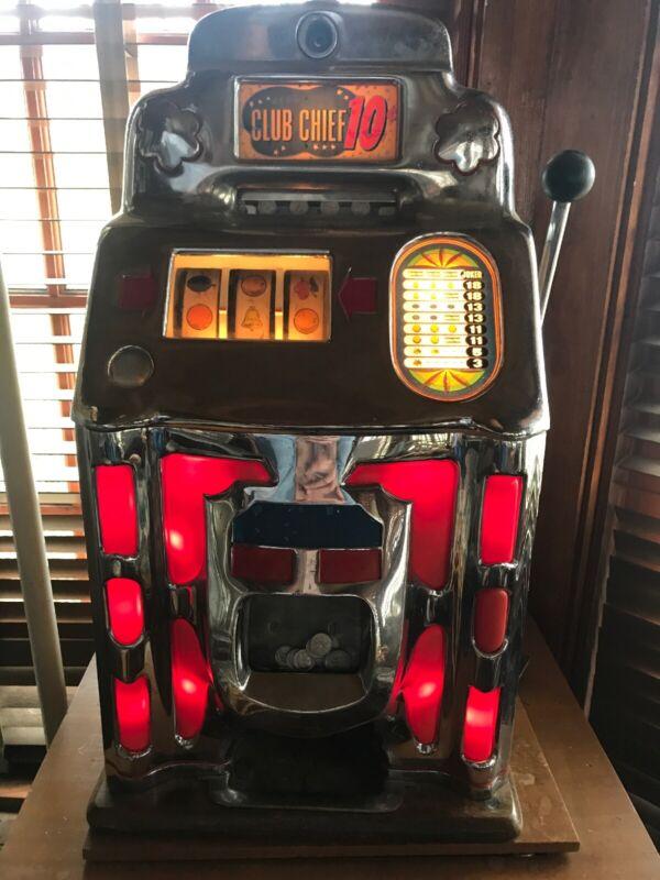 Jennings 1946 Club Chief Dime Slot Machine