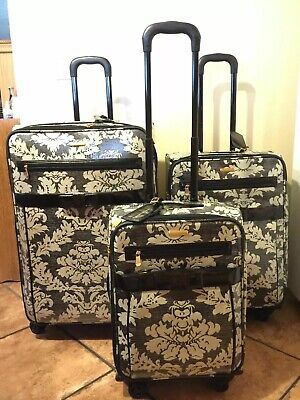Isabella Fiore Vintage Lace 3-piece Spinner Luggage Set