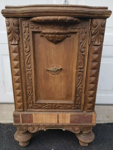 CHAMBER CABINET