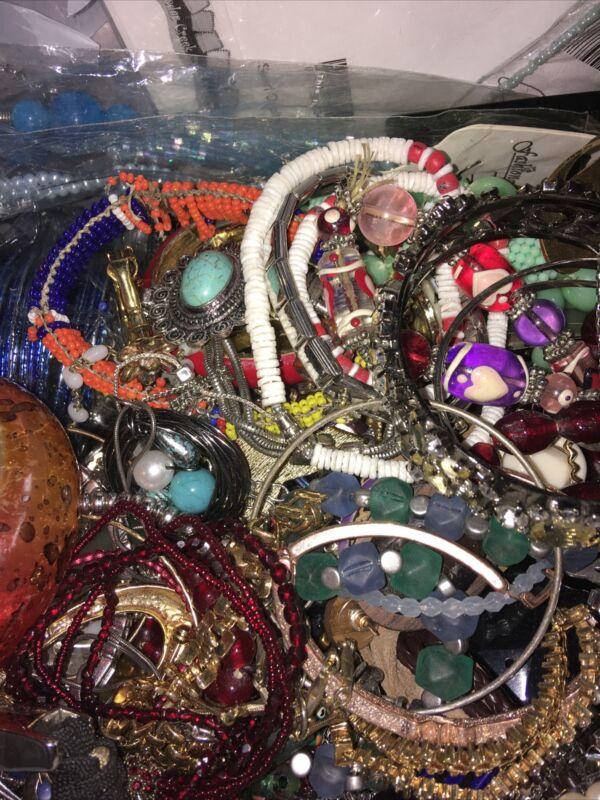 HUGE JUNK JEWELRY LOT-Vintage-Modern 11 bs. FOR WEAR, CRAFTERS & ARTISTS  !