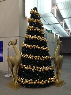 Christmas decorating staff Terrey Hills Warringah Area Preview