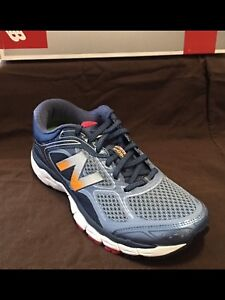 New Balance Men's 860 size 7.5 - 2E  NEW
