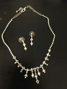 Fashion earrings and necklace set