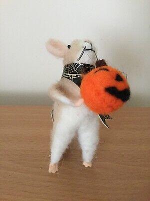Gisela Graham Eco Wool Mix Mouse with Pumkin Halloween Decoration 12cm - Eco Halloween Decorations