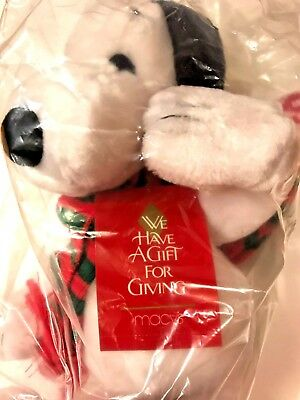 "Christmas Snoopy Macy's Plush Winter Hat Scarf  Sealed Tags Box 20"" Peanuts"