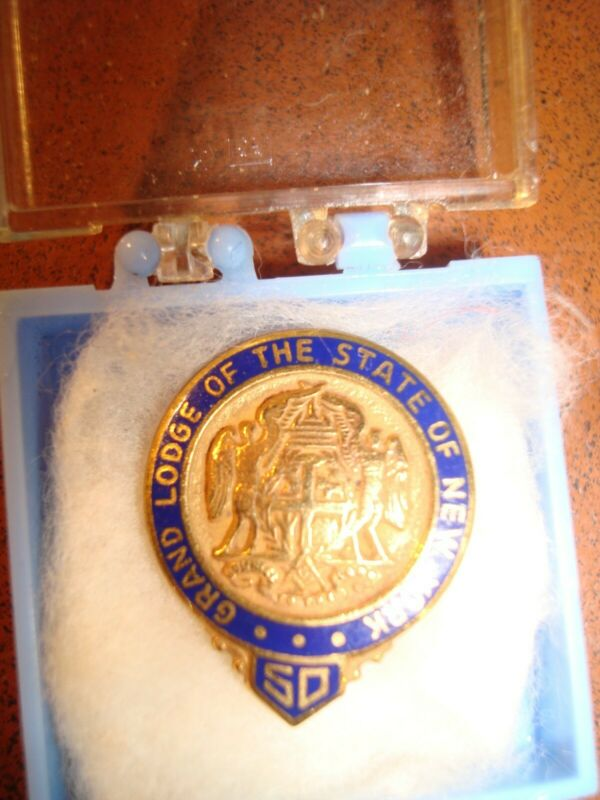 Outstanding 50 year gold enameled grand lodge New York MASONIC Pin
