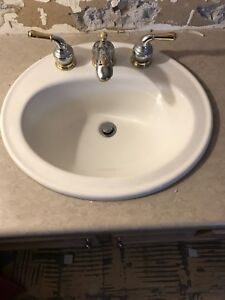 Kohler sink and faucets (2 sinks)