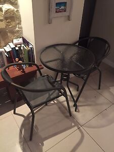 Table and chairs Mona Vale Pittwater Area Preview
