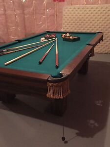 Professional Brunswick Pool/Snooker table