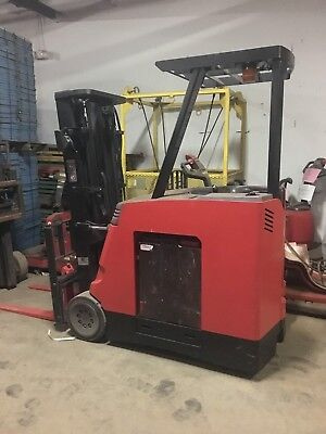 2009 Raymond Forklift Dock Stocker 4000 188 Lift 36v Wbatterycharger42fork