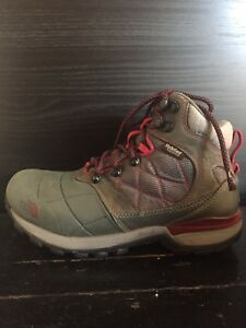 The North Face women's hiking boots size 6.5