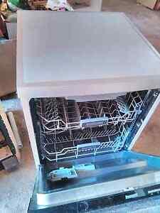 Baumatic dishwasher Bridgewater Adelaide Hills Preview