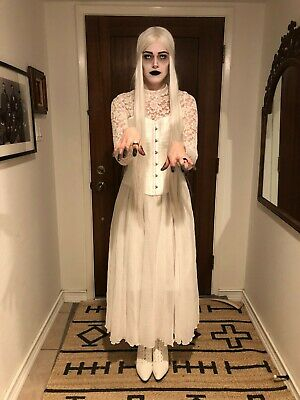 Halloween White Ghost Costume (4-Piece Victorian Ghost Costume Ladies Medium Goth Spooky Halloween)