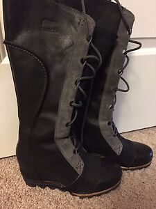 New Sorel Size 9 Wedge Boots