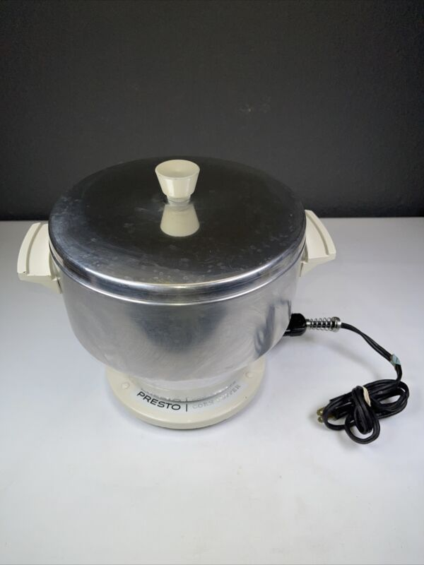 Vtg Rare  Presto Corn Popper Popcorn Heatproof Handles PEO1A Eau Claire WI