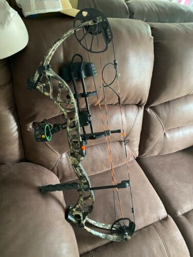 2017 Bear agent compound bow