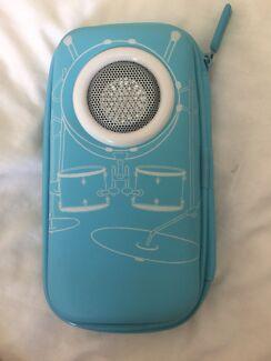 Smiggle speaker