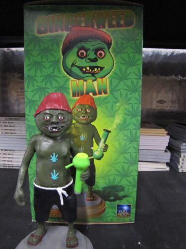 Gingerweed Man ( Evil Bong ) LTD edition resin statue Brand new in box