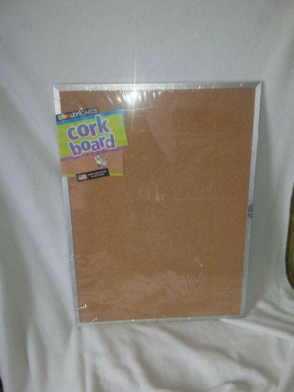 "2003 Dooley Boards 24"" X 18"" - CORK BOARD Metal frame - wall mountable NEW"